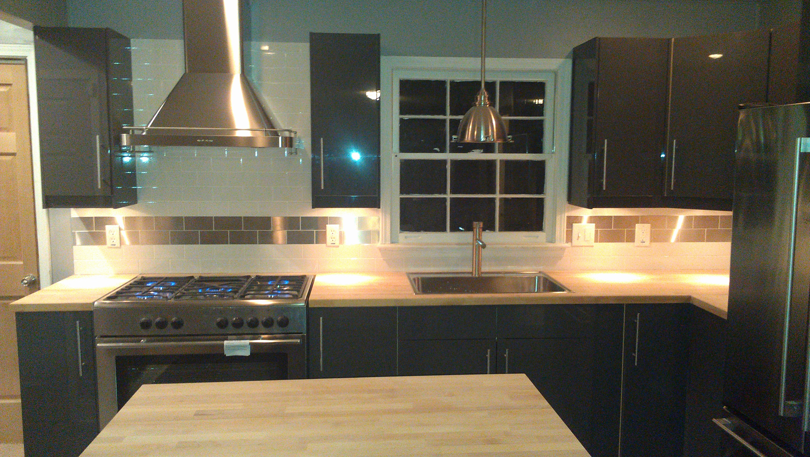 Akurum Abstrakt High Gloss Gray Ikea